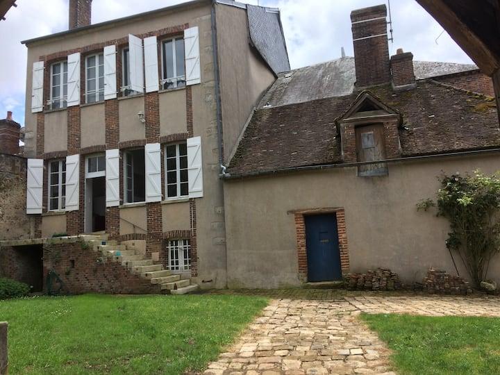 Campagne- Maison du XVIII eme -1h de Paris
