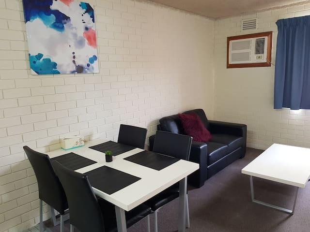 (310) 1 Bedroom Apartment in Perth CBD