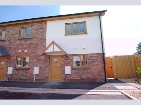 Beautiful modern home in Braunton village centre