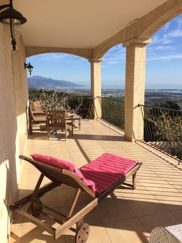 Villa 10 personnes vue mer imprenable avec piscine