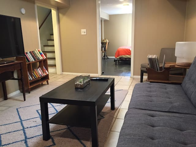 Basement Suite Near KC - No Cleaning Fee!