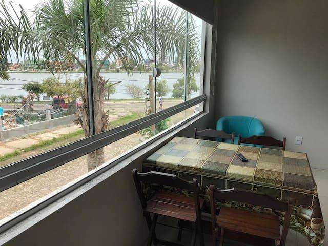 Apartamento com vista para Lagoa do Violão