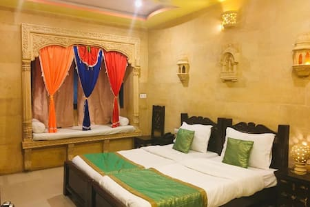 Luxury Rajasthani Room w/Pool & Rooftop Terrace