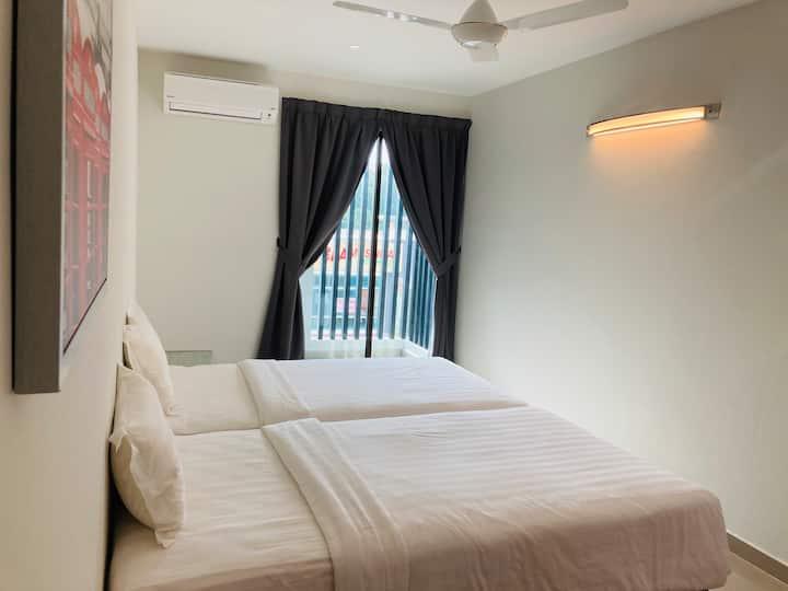 Taman Tas Cozy homestay near Pantai Regal Hotel