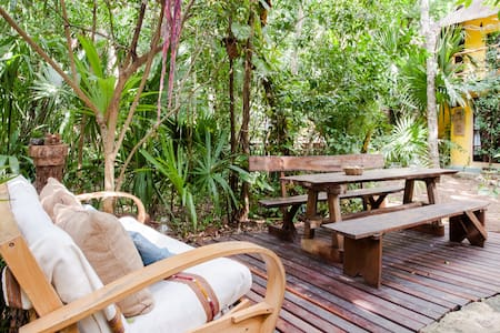 TropicalTreeHouse_LuxuryNature