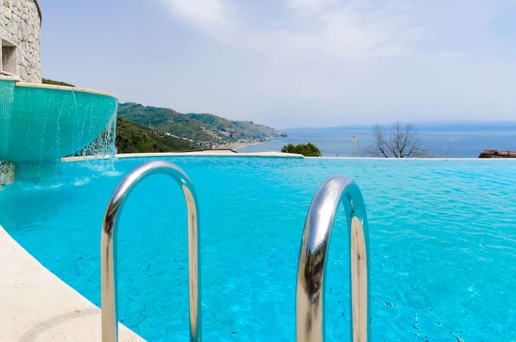 Beautiful SeaView, Pool,CityCenter! - Taormina - Appartamento