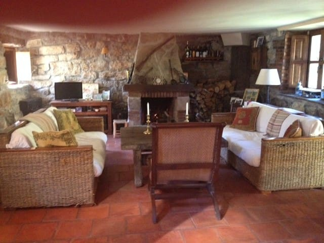 Cabaña pasiega refurbished with 4 bedrooms - Cantabria - Chalet