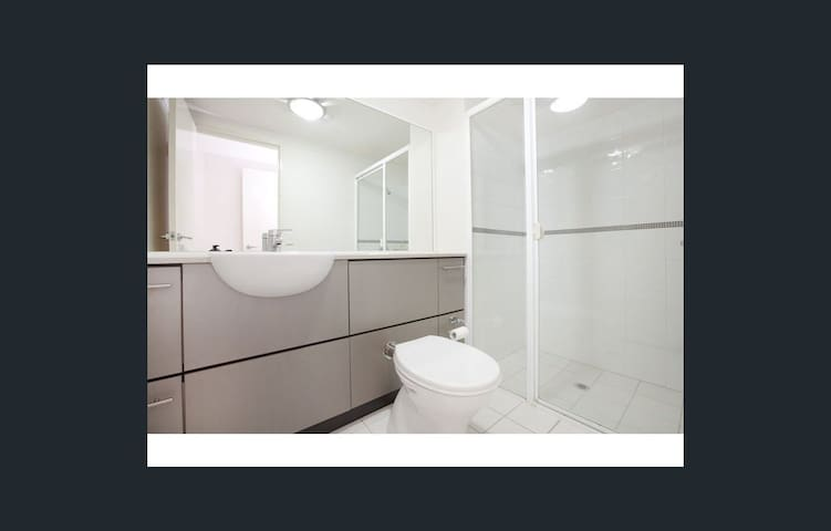 PRIVATE ROOM/BATHROOM - Right in the City !