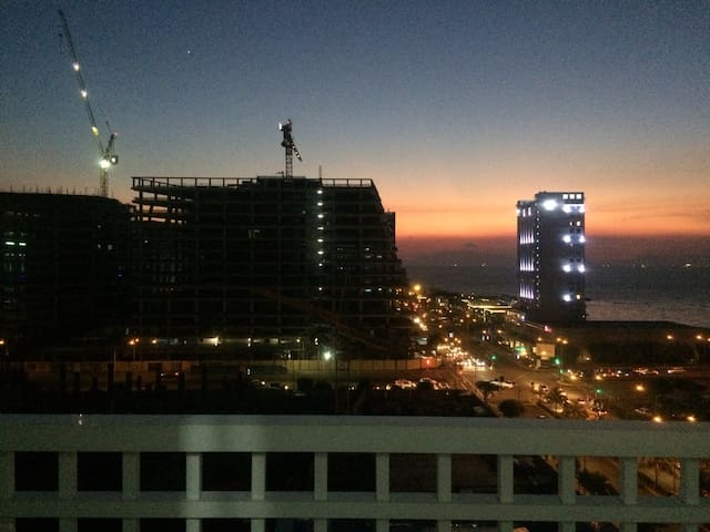 Manila Bay MOA View 1BR Staycation @Shore w/ FREE