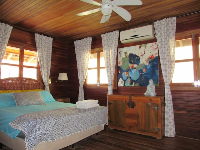 Private Queen Suite in town with ensuite and A/C! - Bocas del Toro Province