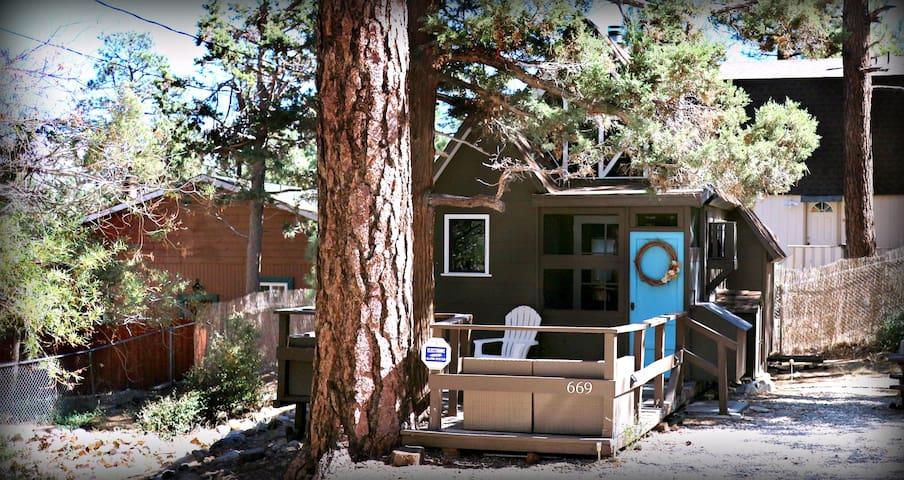 Prince Pines~AT&TNow, Netflix, BBQ, WiFi, Hiking