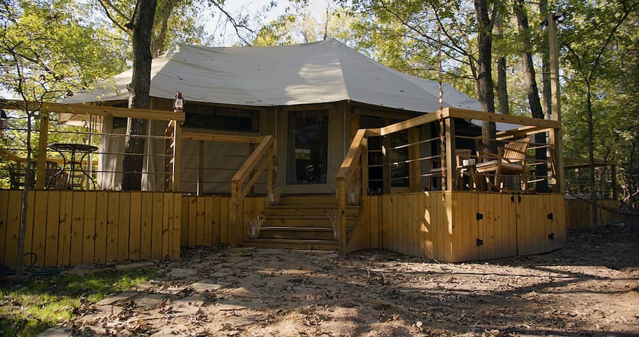 350 Acres! Luxury tent w/ Waterfall! River Rapids!