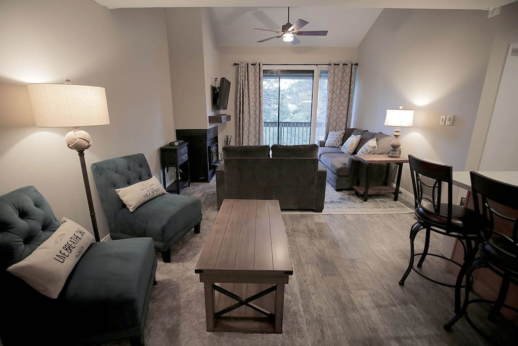 Open Floor Plan with Lots of Seating