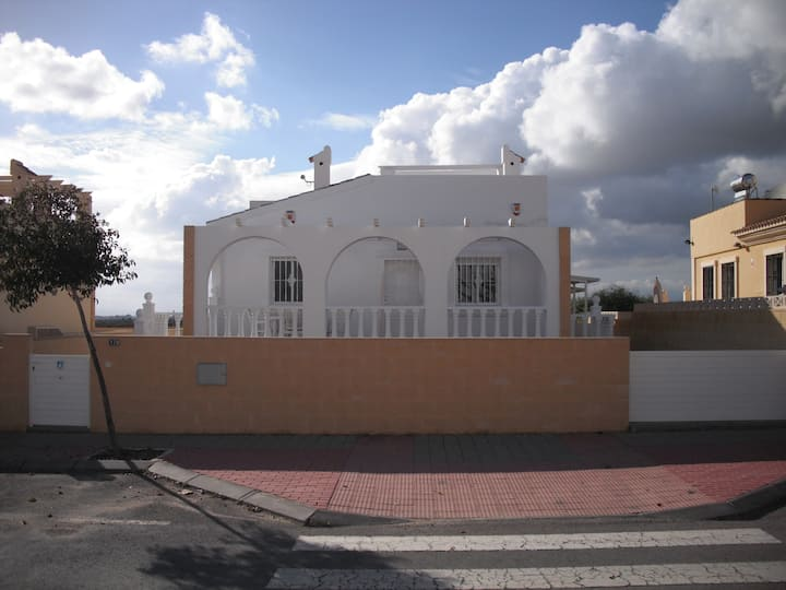 Detached villa on Sierra Golf, Murcia. Sleeps 2-12