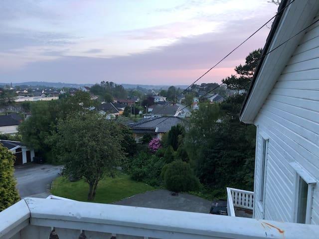 Stor Enebolig med fin utsikt, sentralt i Haugesund