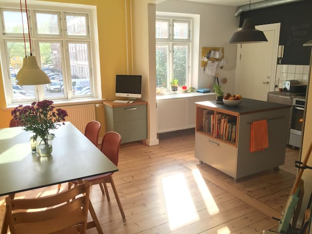 Sunny apartment with garden in central Aarhus