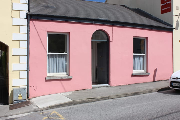 Pink Cottage, Ennistymon, Co. Clare