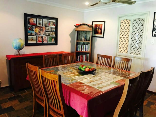 Private rooms in Castleglen Estate, Thornlie, WA - Thornlie - Rumah