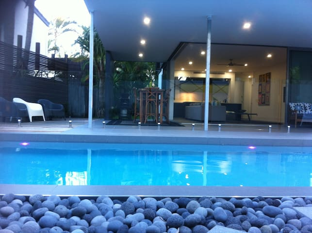 Noosa Sound Villa - Spacious 2br + Pool - Noosa Heads - Huoneisto