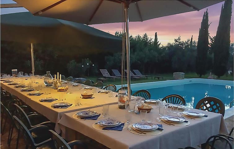 Holiday cottage with 4 bedrooms on 300m² in Chiaramonte Gulfi