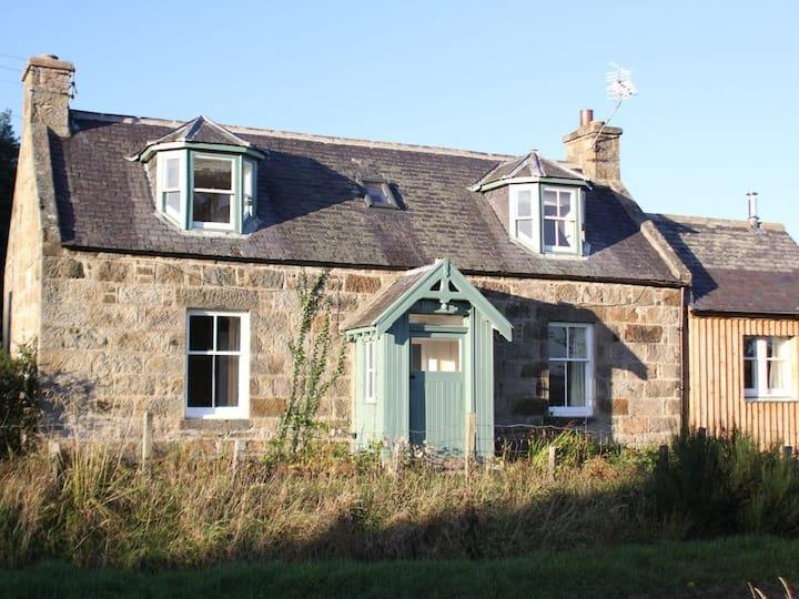 Bogroy Cottage, Archiestown, Aberlour, Moray