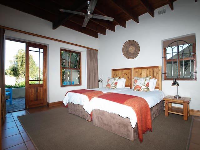 Twin Room photo 2