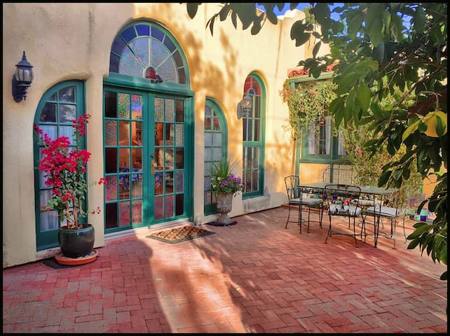 Historic Santa Fe Style Adobe - Tucson - Apartment