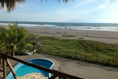 Tilapita Beach House, casa entera frente al mar.