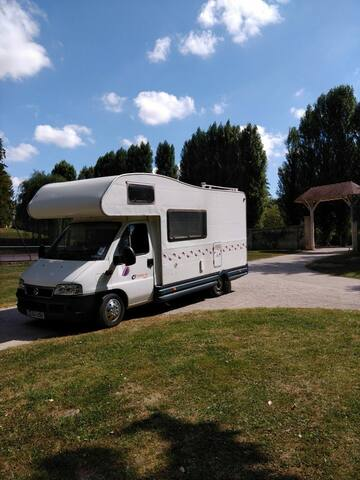 Motorhome hire, 5 berth based in North Wales.