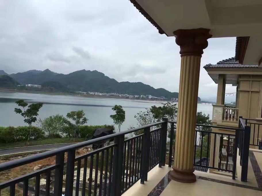 在二楼看千岛湖风景