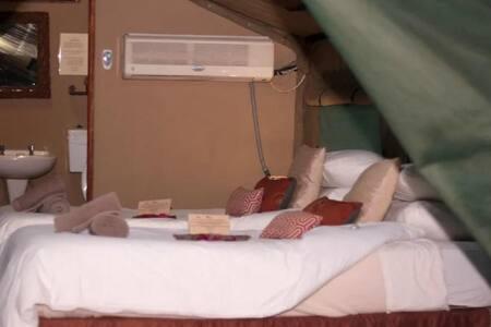 Hemmingway Standard Luxury Tent Unit 1