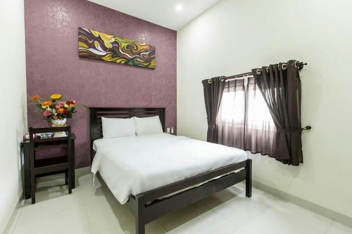 Yen Chi 1 Bedroom