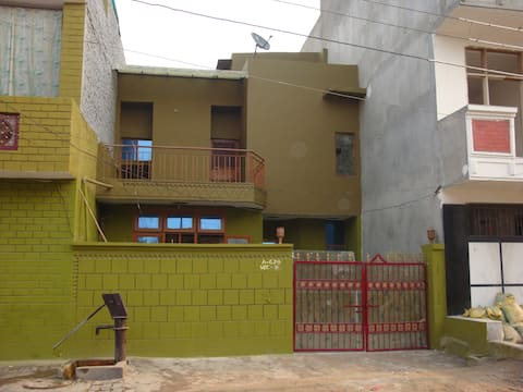 Apartment house available in Ghaziabad, IN