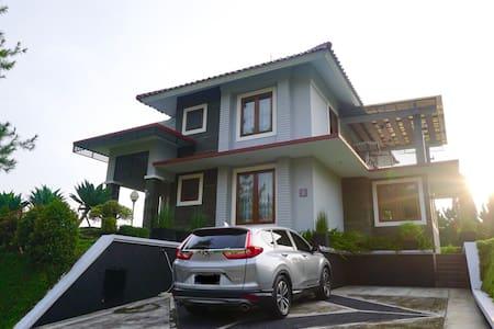 Villa Lotus G5, Cipanas