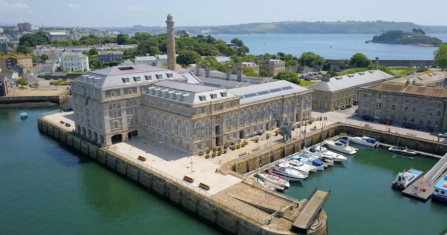 6 Mills Bakery one bed sea view stylish apartment in Grade 1* historic Royal William Yard