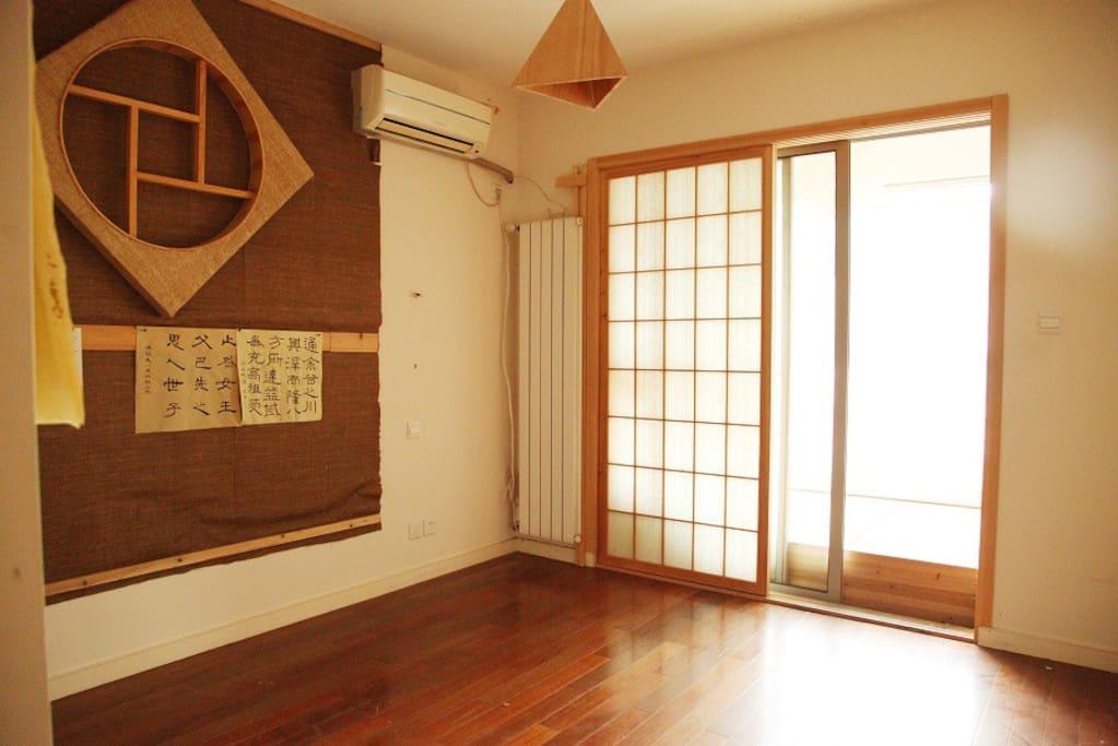 书法间和阳台(带锁可以入住的房间,榻榻米)