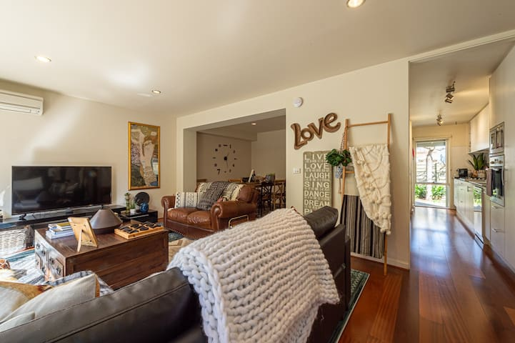 Family Friendly South Yarra House | Cafes | Garage