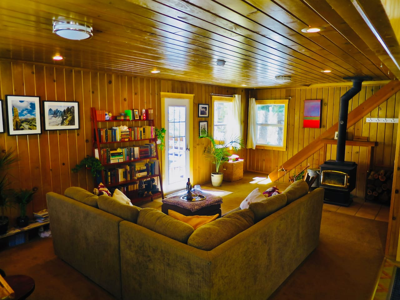 Living room / common area with wood firelace