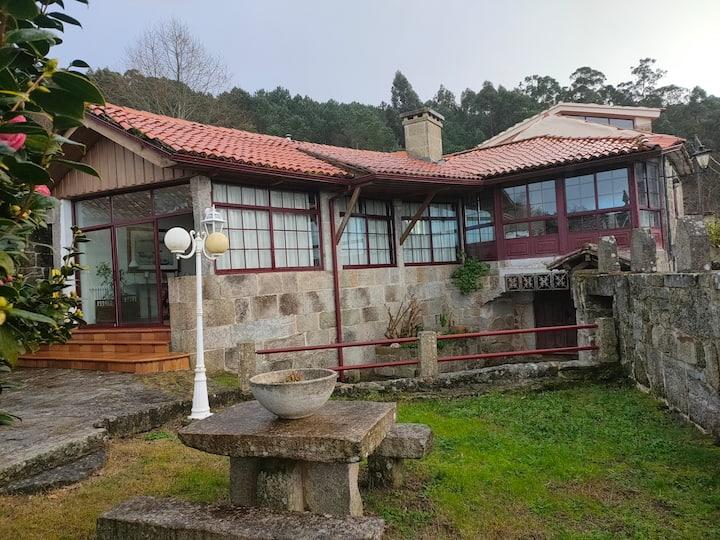 Casa rústica de 1875 en entorno rural