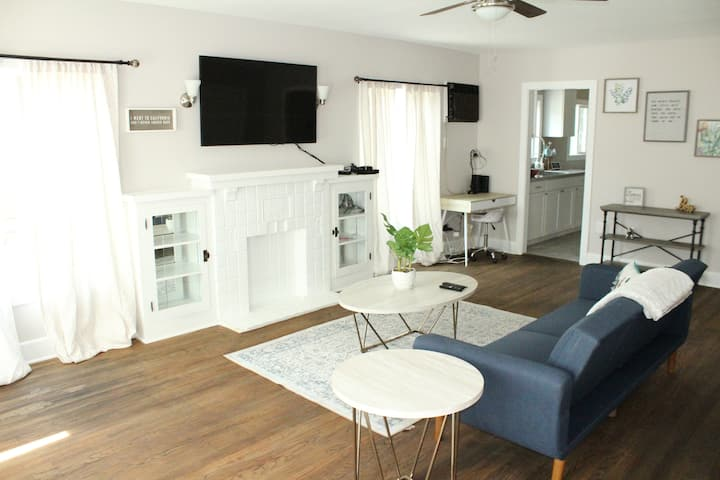 Downtown Riverside Apartment. Close to Mission Inn