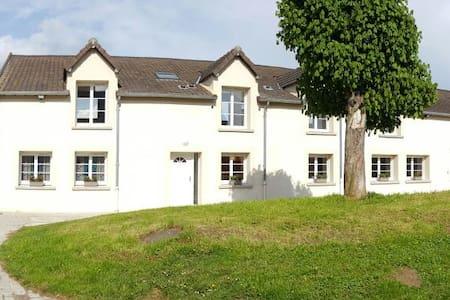 maison 400m2 à la campagne avec spa - Vieux-Champagne - House