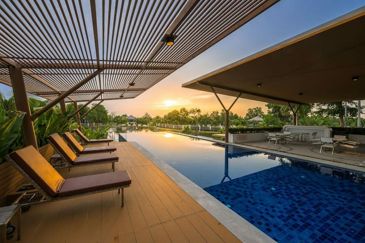 4 Bedroom private Villa with pool V60 in Pattaya