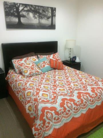 Cozy Bedroom near Universal!!