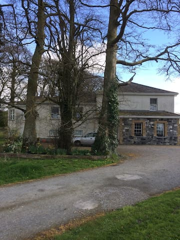 Islandbawn Country House.
