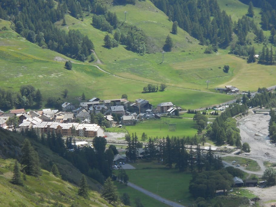 Petit village de montagne au cœur du Parc Régional du Queyras