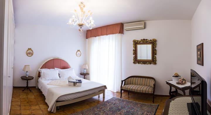 Luxeuse chambre avec jacuzzi