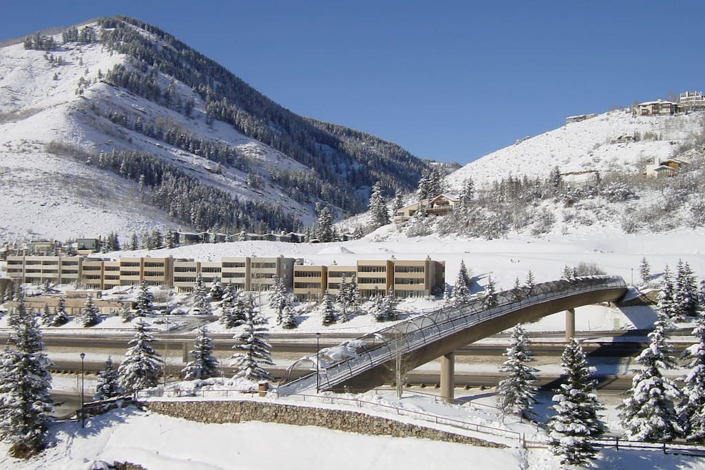 Walk a little and save a lot! Just 6 minutes from Sun Vail to Lionshead Village and the base area to Vail Mountain. You can't beat the value for this location