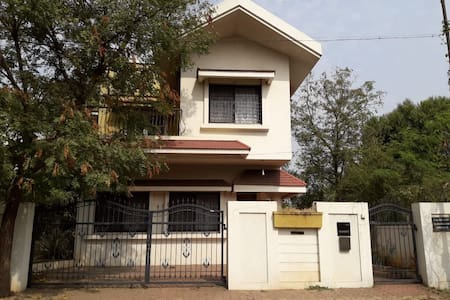 Spacious Pune Bungalow