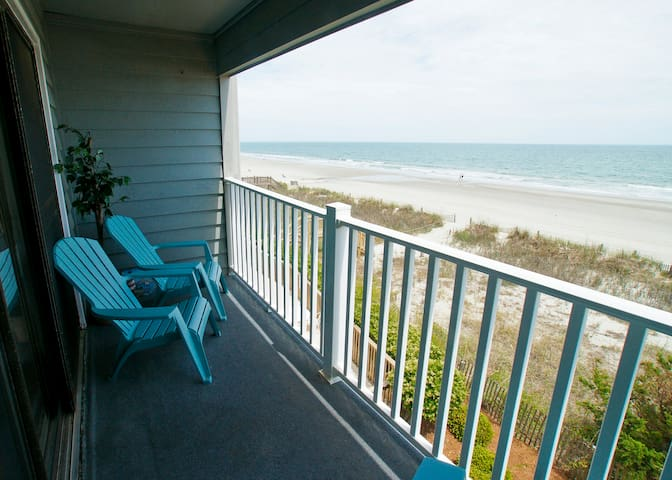 """""""Enjoyed our stay at this condo in Surfside SC. Had all the basics we needed for our last minute get - サーフサイド・ビーチ - 別荘"""