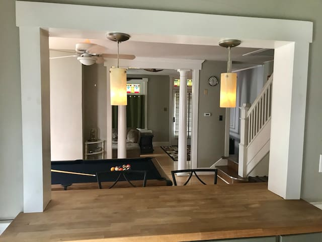 Private room in downtown Kutztown home -double bed